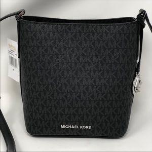 Michael Kors Kimberly small bucket bag crossbody